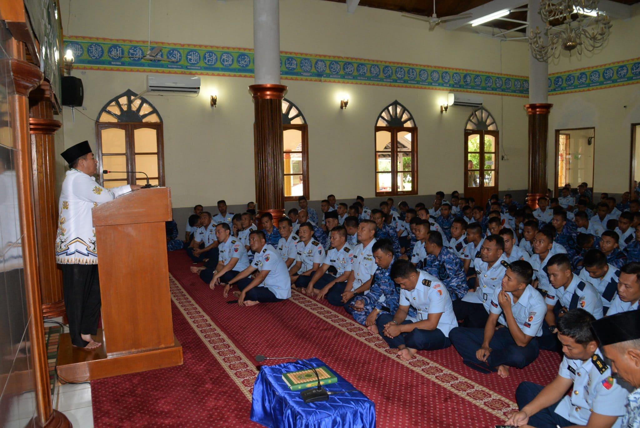 Upacara Peringatan Hut ke -koopsau di Makassar
