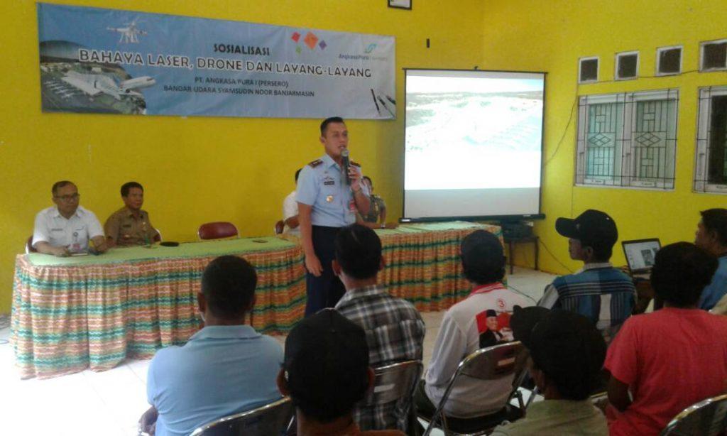 Komandan Lanud Sjamsudin Noor Bersama GM PT Angkasa Pura I (Persero) Bandar Udara Syamsudin Noor Sosialisasi Bahaya Laser, Drone dan Layang-layang