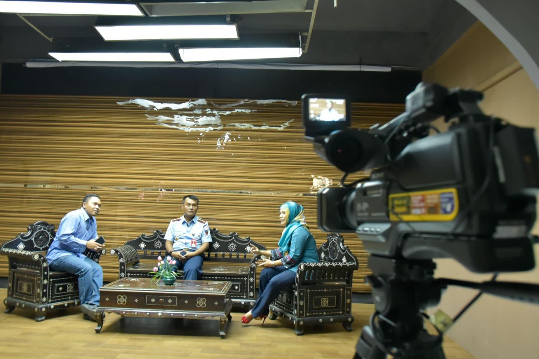 Danlanud Rembiga Menjadi Narasumber Di Lombok TV
