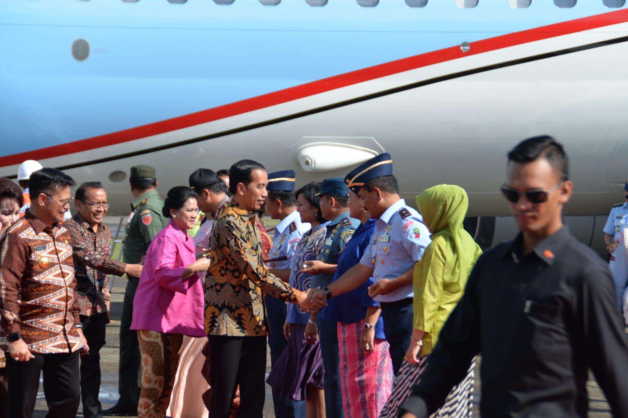 Komandan Lanud Sultan Hasanuddin Sambut Kedatangan Presiden Ri Joko Widodo