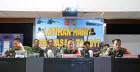 Pesawat Tempur Sergap Su 27/30 TNI AU Paksa Mendarat Pesawat Intai Musuh