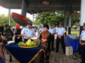 Kasau Potong Tumpeng Tandai 3 Pesawat Koleksi Baru Muspusdirla.