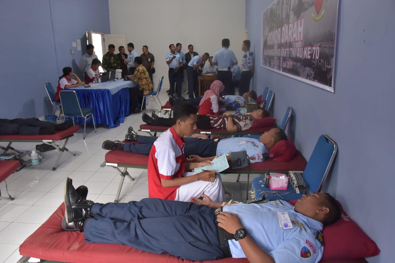 70 kantung darah disumbangkan Lanud Rembiga di Hari Bakti Ke 70 TNI AU