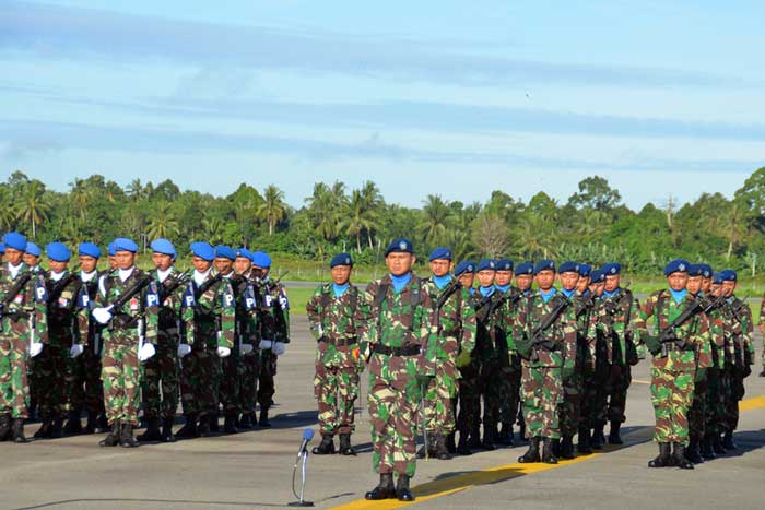 Upacara Bendera di Lanud Supadio PANGLIMA TNI INGATKAN BAHAYA CYBER NARCOTERORISM