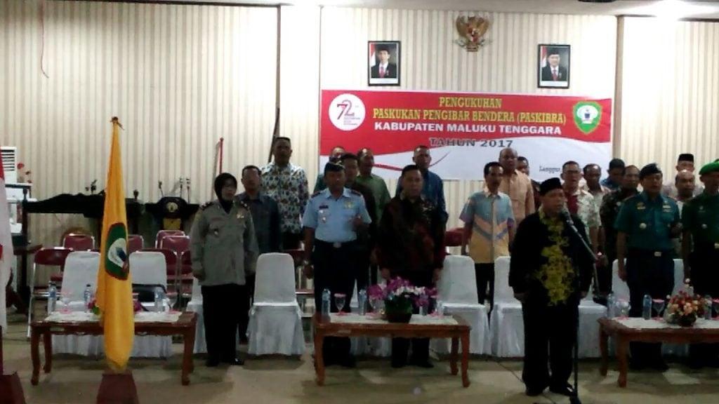 DANLANUD D. DUMATUBUN HADIRI PENGUKUHAN PASKIBRA KABUPATEN MALUKU TENGGARA