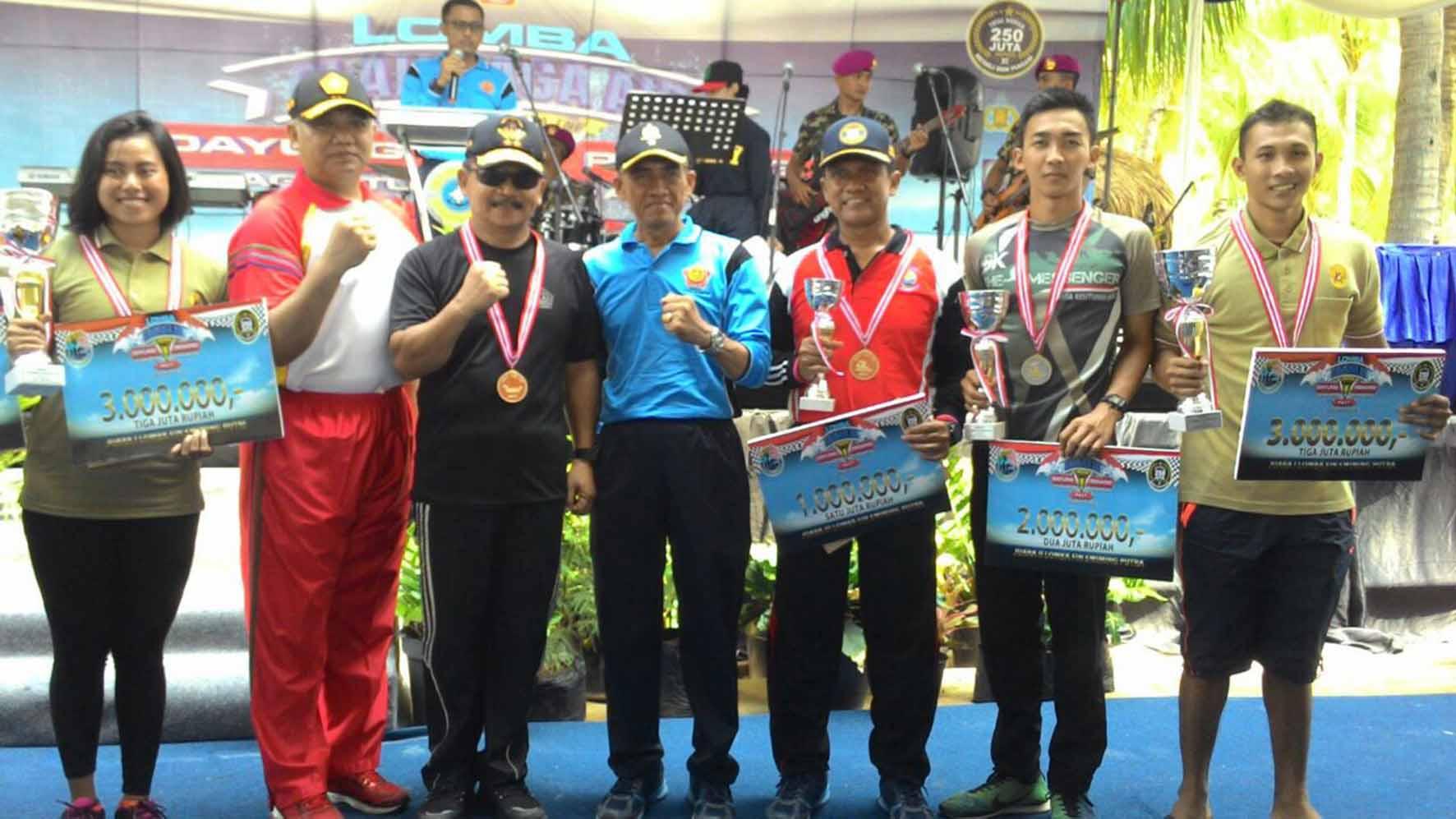 Prestasi Paskhas pada Lomba Renang Laut Piala Panglima TNI
