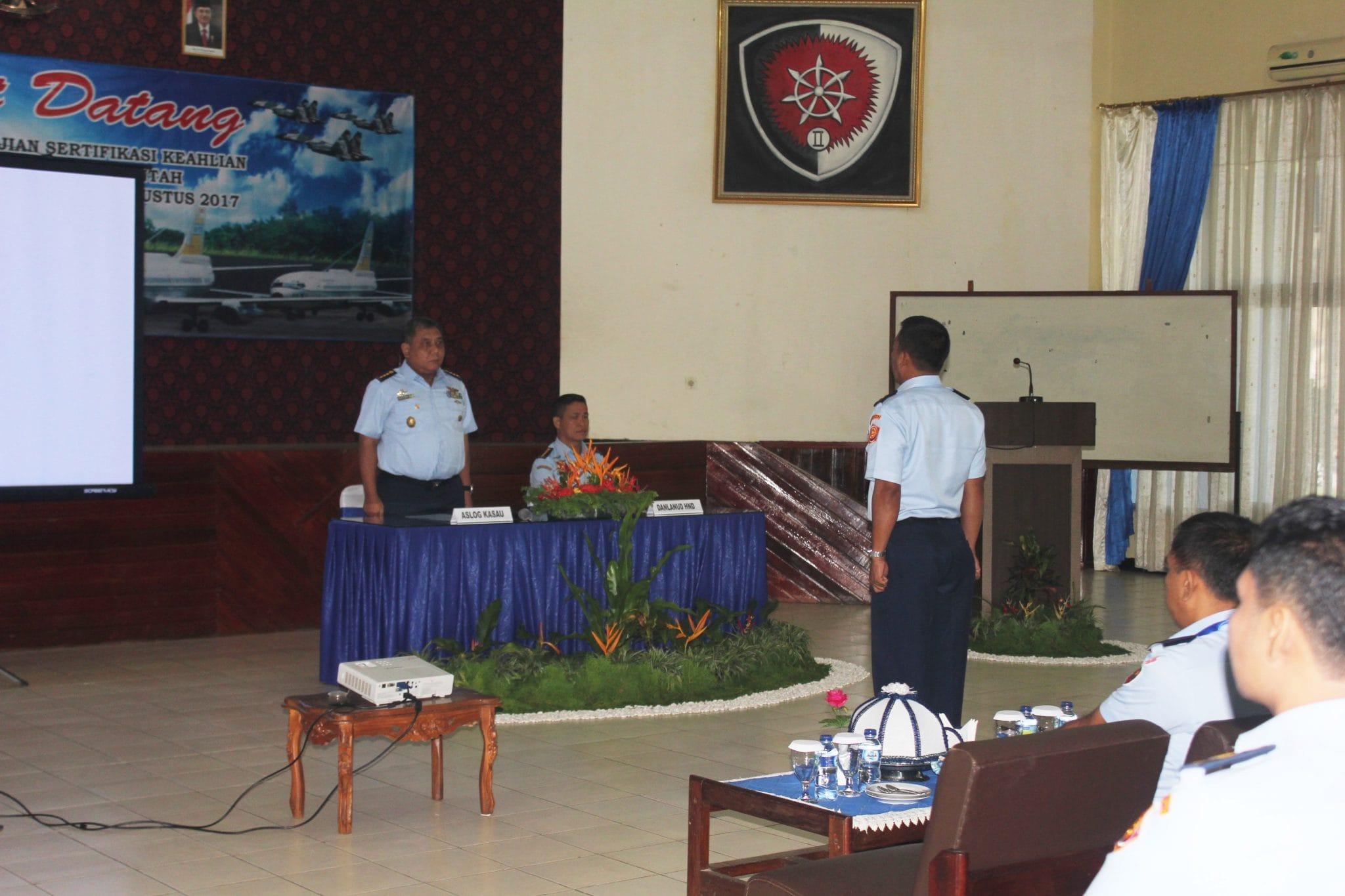 PULUHAN PERWIRA TNI AU IKUTI UJIAN SERTIFIKASI PENGADAAN BARANG DAN JASA PEMERINTAH