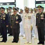 Panglima TNI Sematkan Tanda Kehormatan kepada 68 Pati TNI