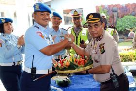 Kejutan HUT TNI di Satpom Lanud Halim