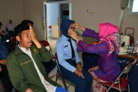Lanud Suryadarma Screening 250 Pasien Mata