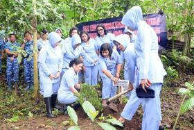 Lanud Abd Selamatkan Desa Kemiri Dengan Tanam 3000 Pohon