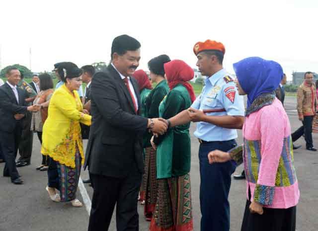 Danwing III Paskhas Sambut Pejabat Negara dan Pejabat Tinggi TNI