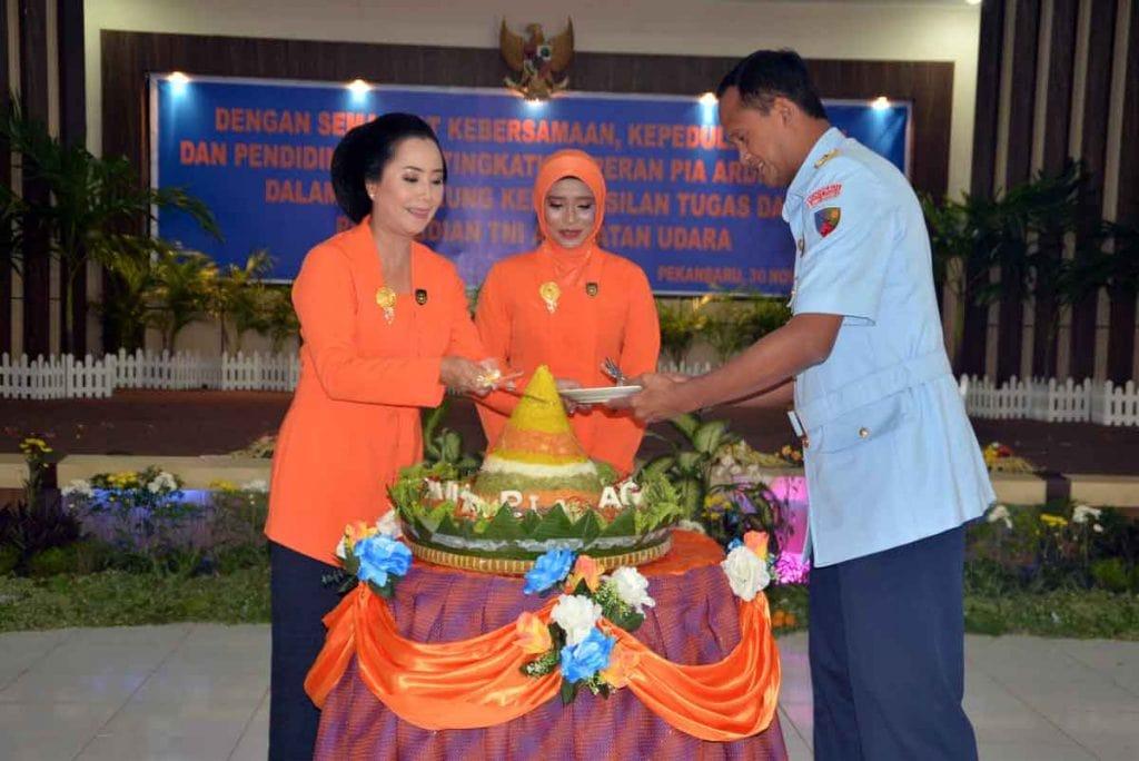 Puncak Peringatan ke-61 HUT PIA AG di Lanud Rsn