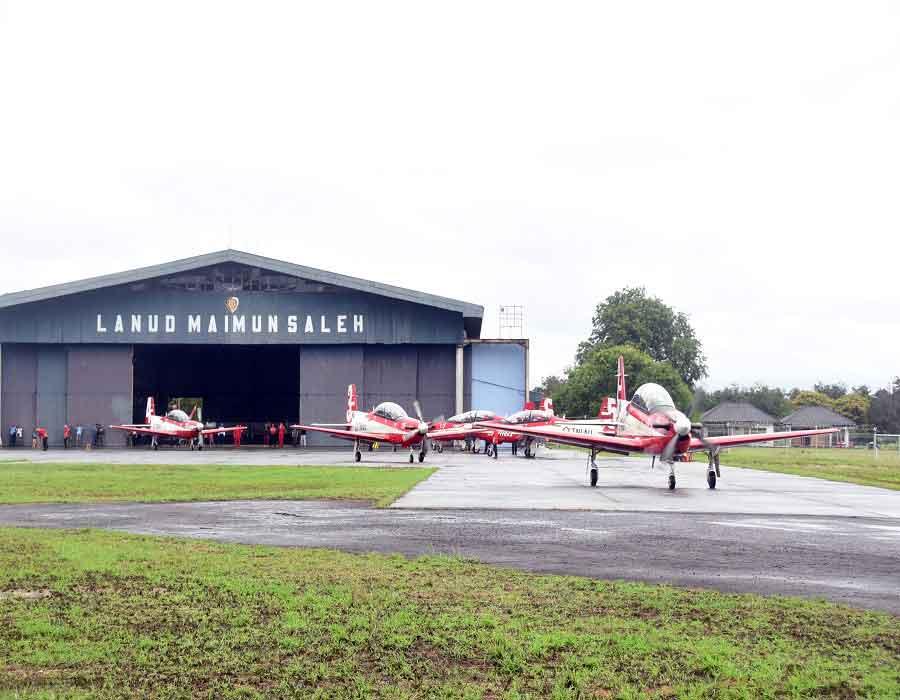 Jupiter Aerobatic Team (JAT) Tinggalkan Lanud Maimun Saleh