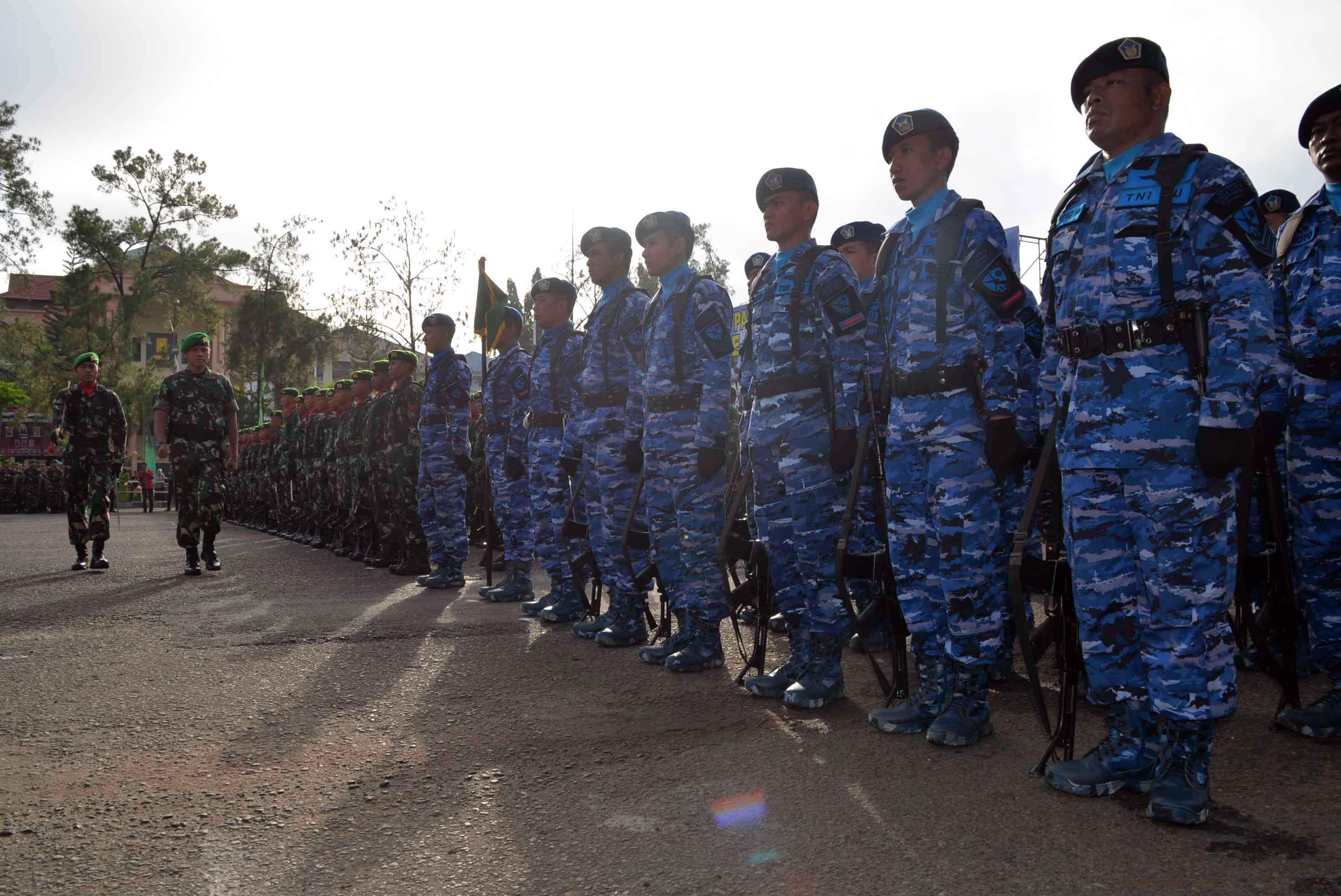 Lanud Sjamsudin Noor Ikuti Upacara HUT Infanteri Ke-69 Di Lapangan Murjani
