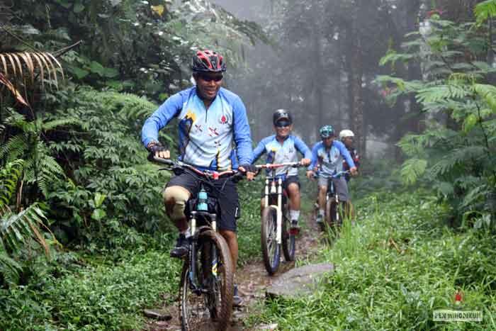 WINGDIKUM CYCLING COMUNITY ADAKAN TOURING SEPEDA