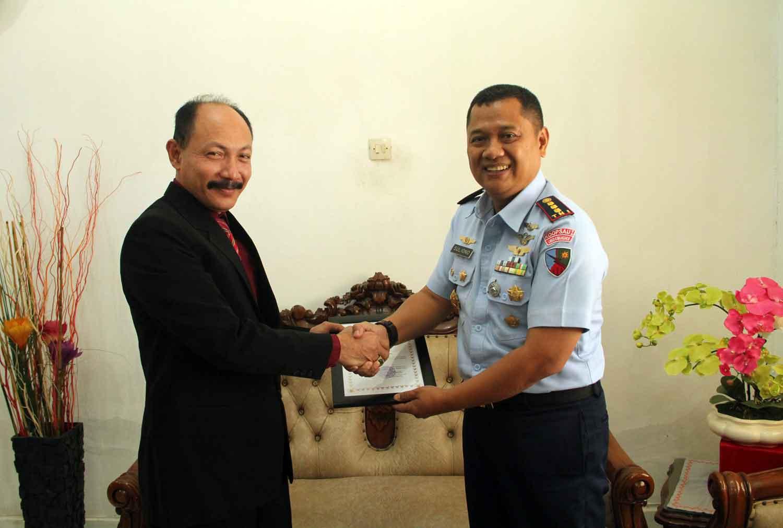 Soliditas TNI Angkatan Udara Kepada SMA N 1 Banda Aceh