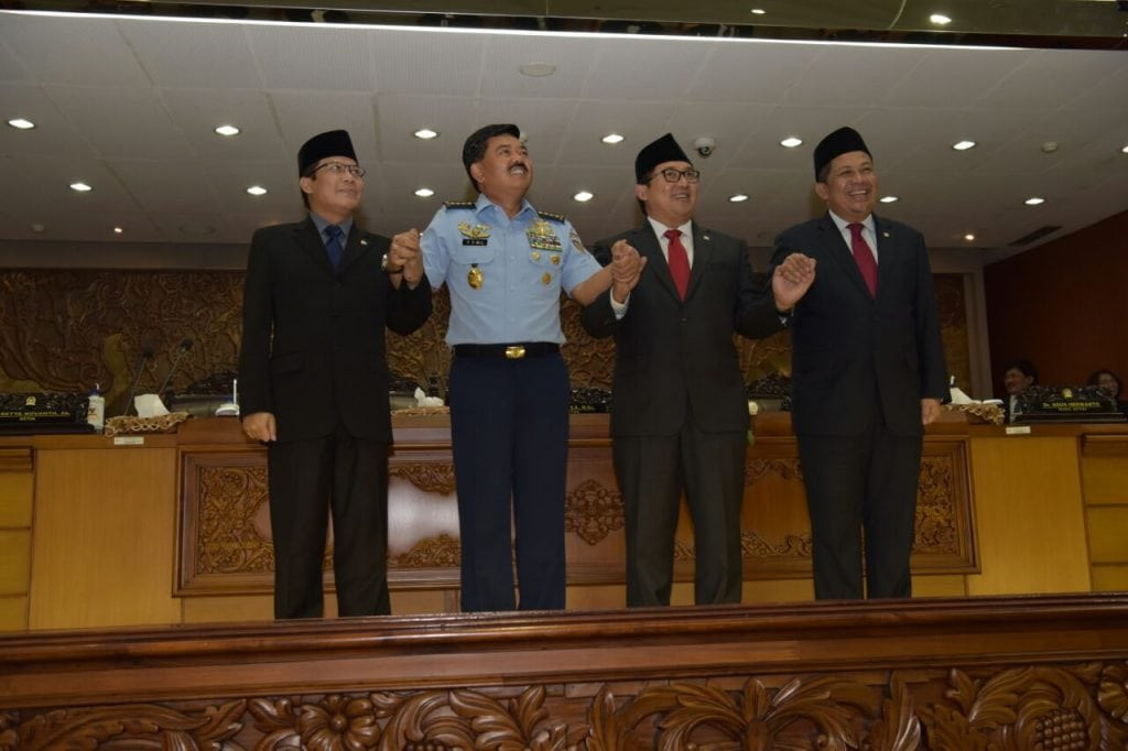 DPR RI MENETAPKAN MARSEKAL TNI HADI TJAHJANTO, S.IP. SEBAGAI PANGLIMA TNI