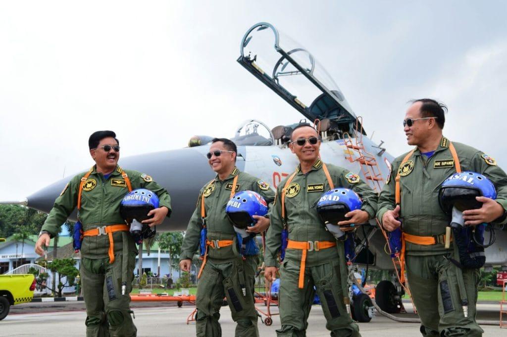 Penyematan Wing Penerbang Kehormatan, Kasad, Kasal dan Kapolri