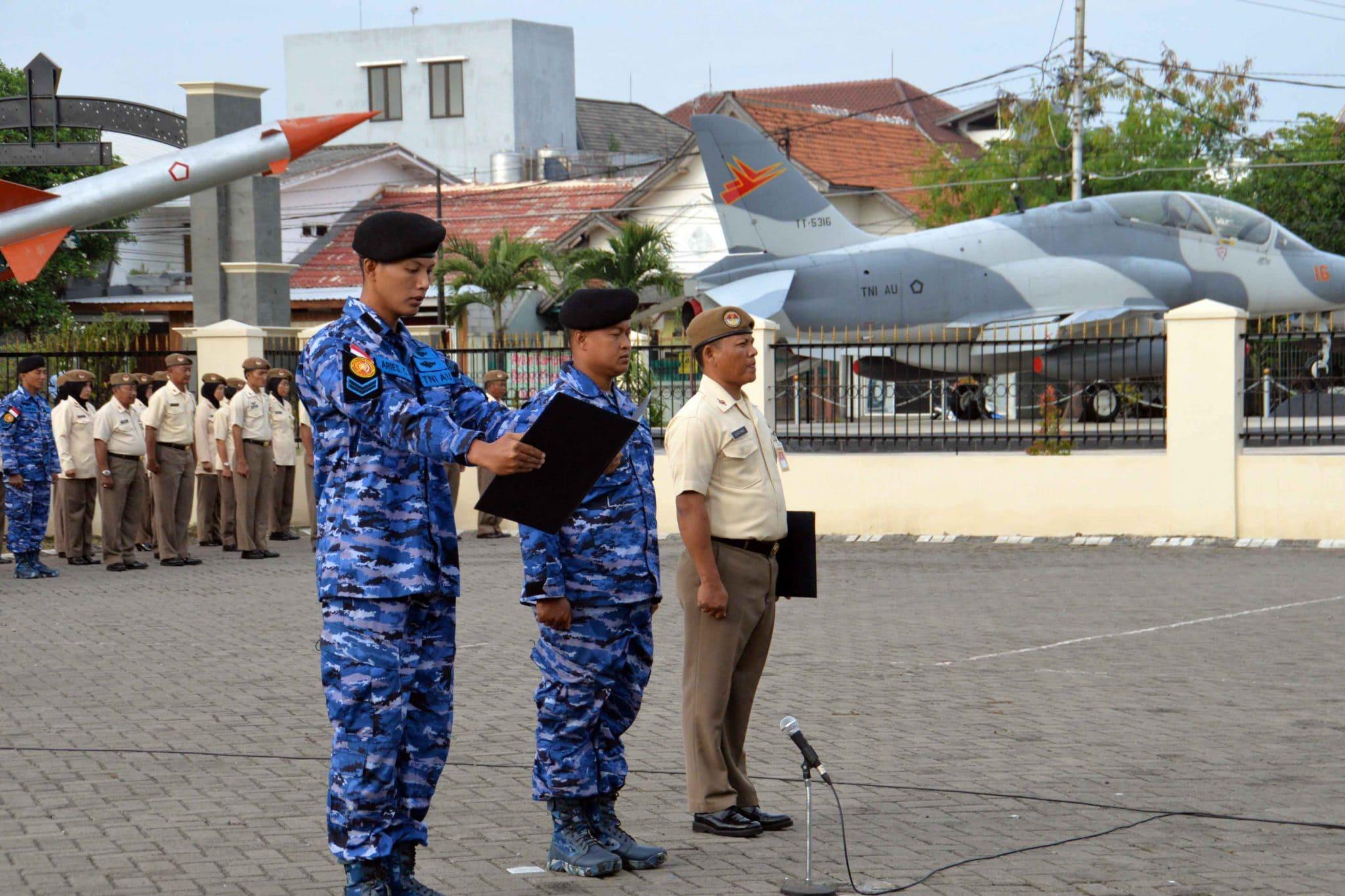 Upacara Bendera 17-An Di Pusdiklat Hanudnas Surabaya