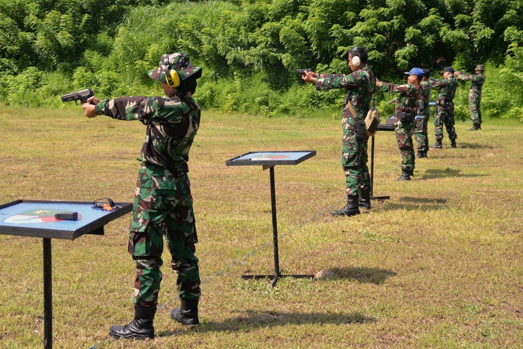 Menembak Merupakan Kemampuan Dasar Yang Harus Dimiliki Oleh Setiap Prajurit TNI
