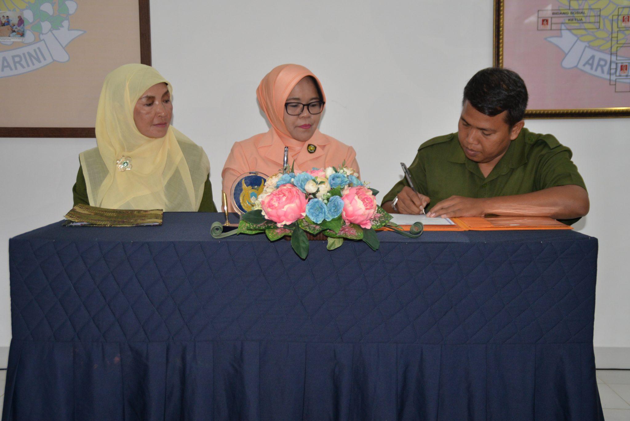 Kepsek SMP Angkasa Bogor Diserahterimakan