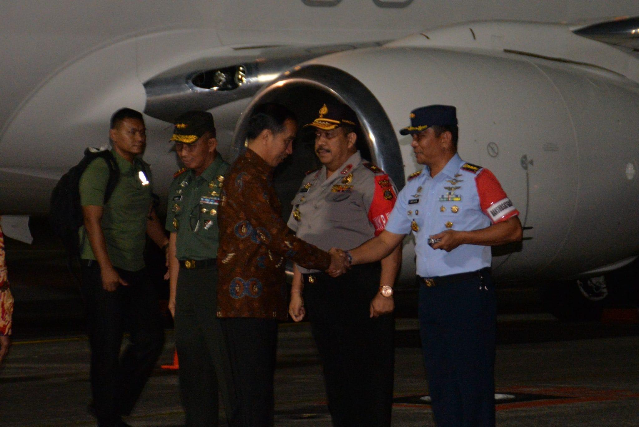 Komandan Lanud Ngurai Rai Sambut RI 1 dan RI 2