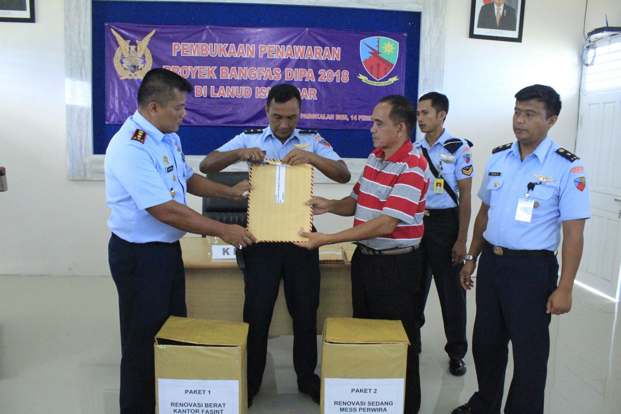 Lelang Bangfas Dipa 2018 di Lanud Iskandar