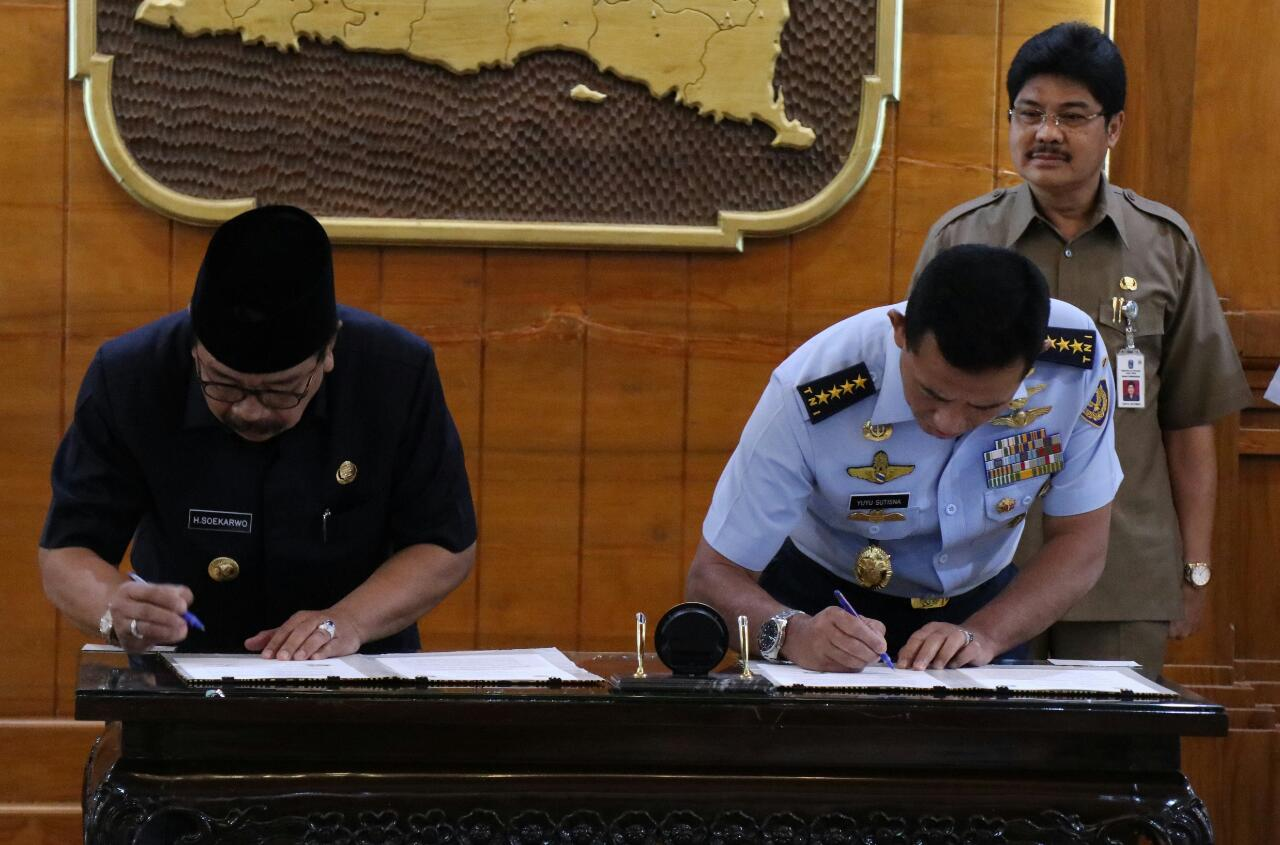 TNI AU Dan Pemda Jawa Timur Wujudkan Generasi Muda Berintelektual Dan Berwawasan Kebangsaan