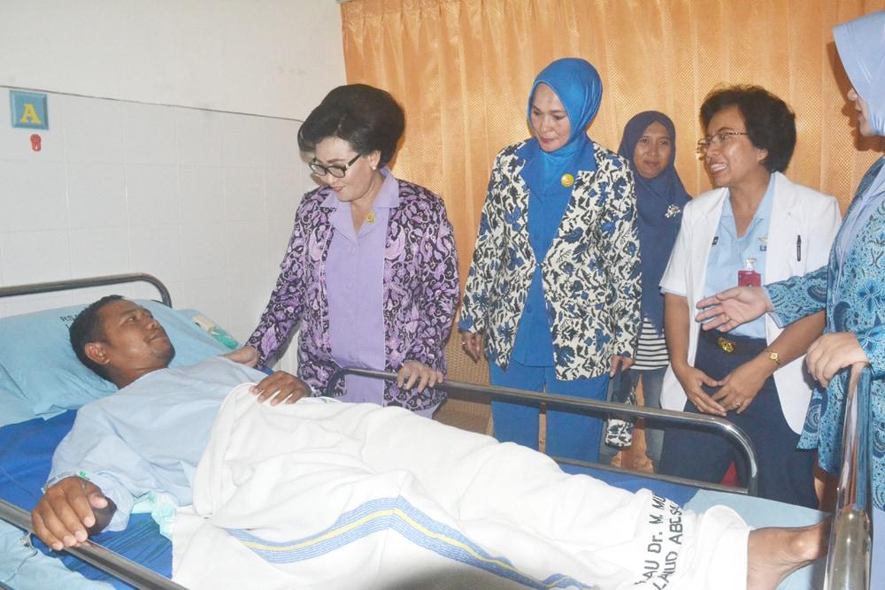 Ketum Dharma Pertiwi Kunjungi RSAU dr M. Munir Lanud Abd Saleh