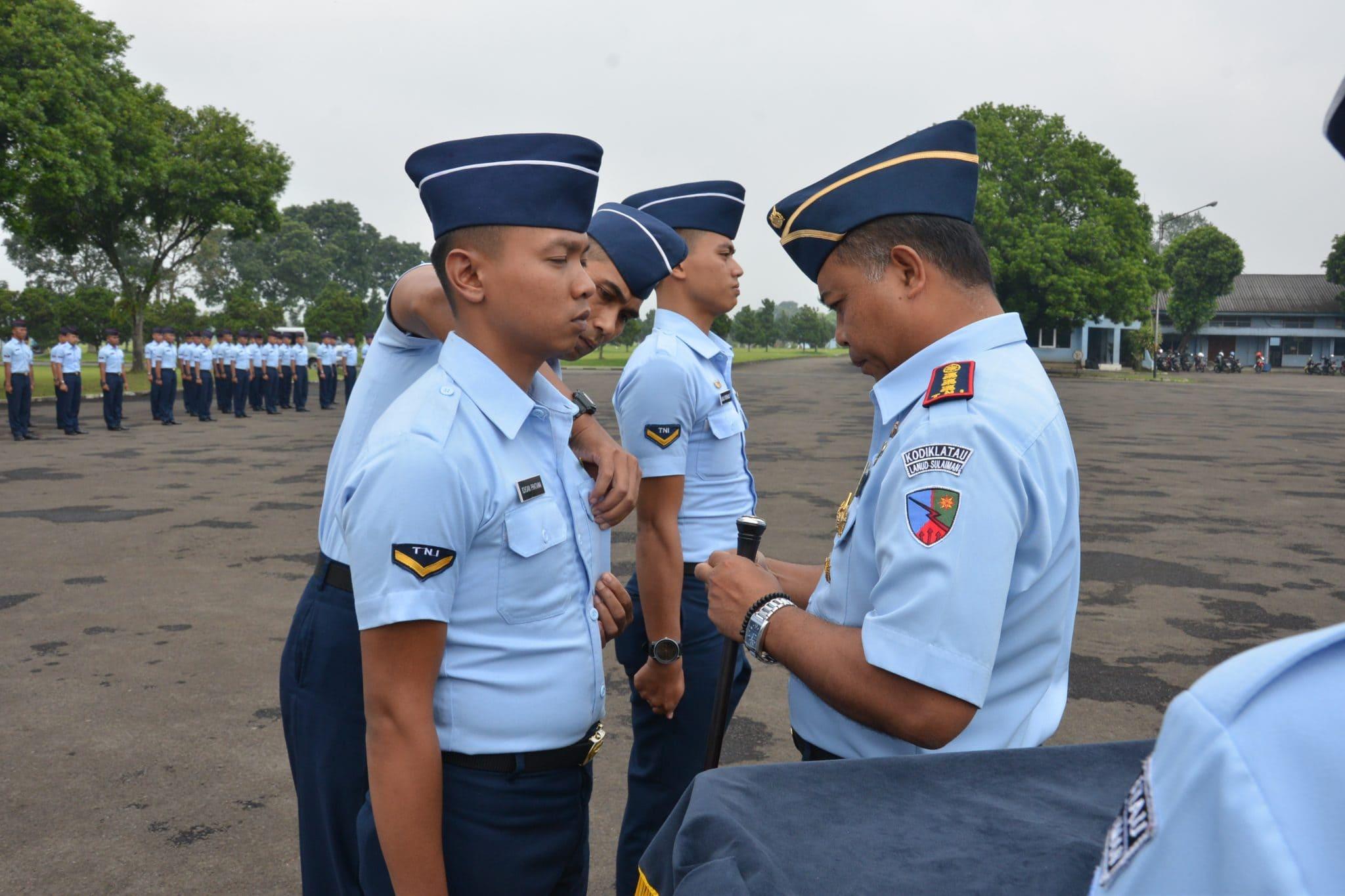 Lanud Sulaiman Buka Sustek (Kursus Teknik) Radio TRX VHF AM A-4, Sustek PABX A-5, Sustek NDB A-7 dan Sustek SBM A-18 Skadik 202