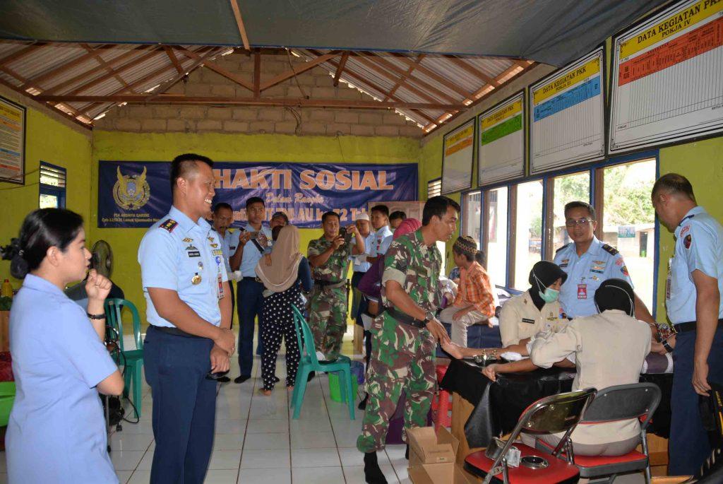 Lanud Sjamsudin Noor Gelar Bakti Sosial Kesehatan dan Khitanan Masal Memperingati HUT TNI AU ke-72 Tahun 2018