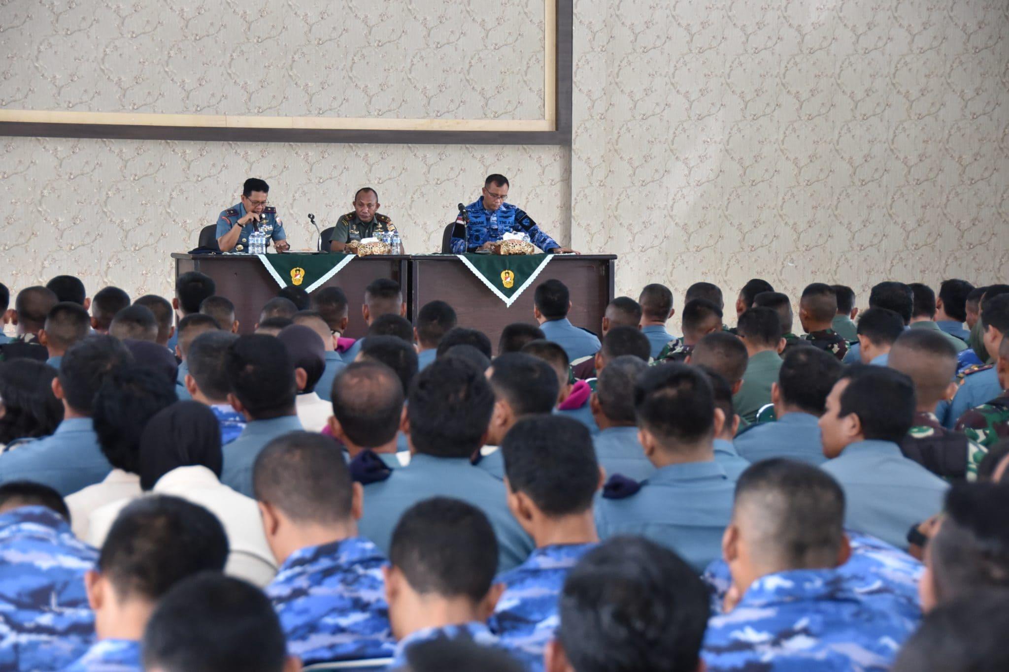 Upacara Bendera Gabungan Pererat Soliditas Tiga Matra di Kepulauan Riau