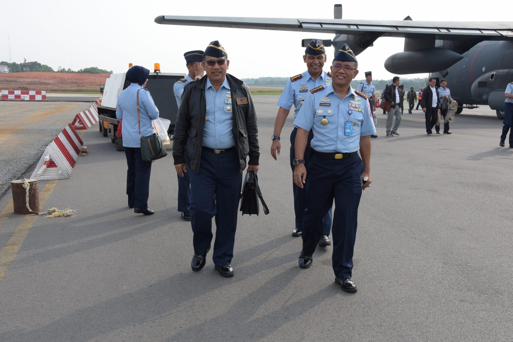 Danlanud Rhf Sambut Wadankodiklatau dan Pasis Sekkau A- 103 di Bandara Rhf