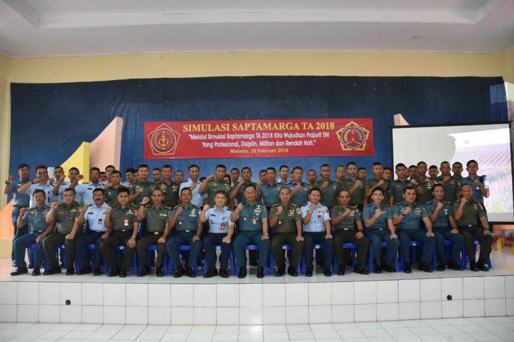Ceramah Dan Simulasi Sapta Marga Kapusbintal TNI di Lanud Sam Ratulangi