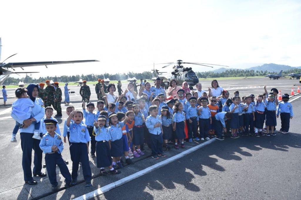 Kunjungan TK Angkasa Manado di Baseops Lanud Sam Ratulangi