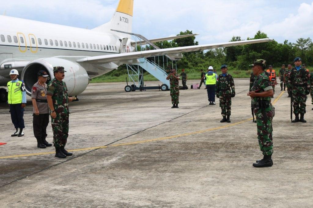 Danlanud Tarakan Sambut Kedatangan Panglima TNI dan Kapolri