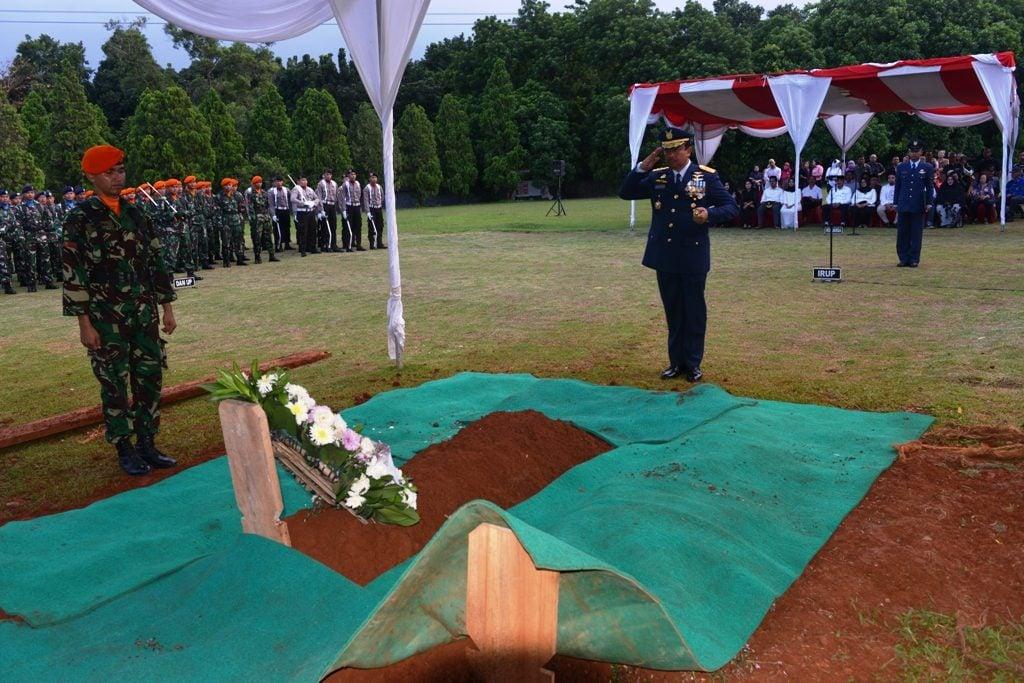 Pangkohanudnas Pimpin Pemakaman Almarhum Marsda TNI (Purn) Subagijo