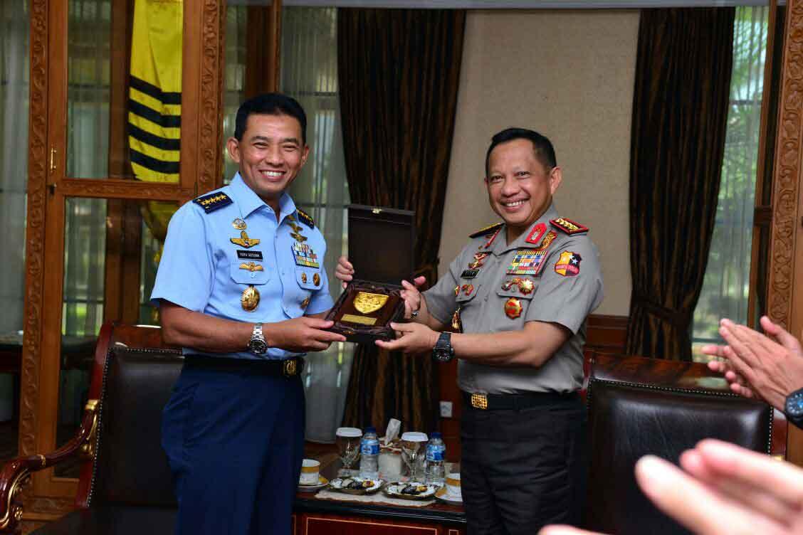 Kunjungi Mabes Polri, ini pernyataan Kasau Kasau : TNI AU Siap dukungPolriamankan Pilkada