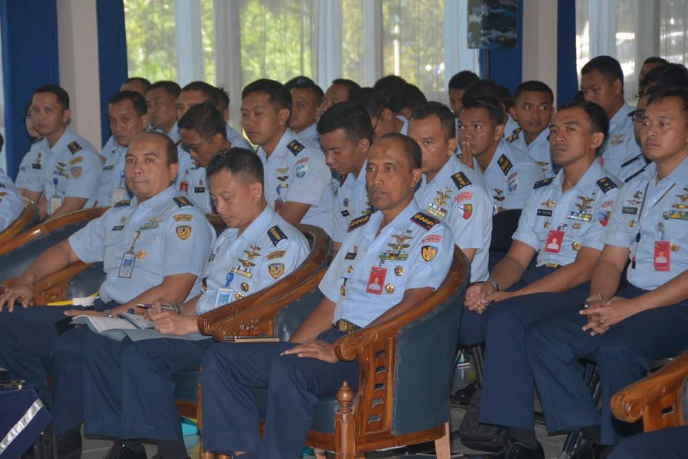 Anggota Lanud Abd Saleh Terima Ceramah Dari Team Lambangjaau