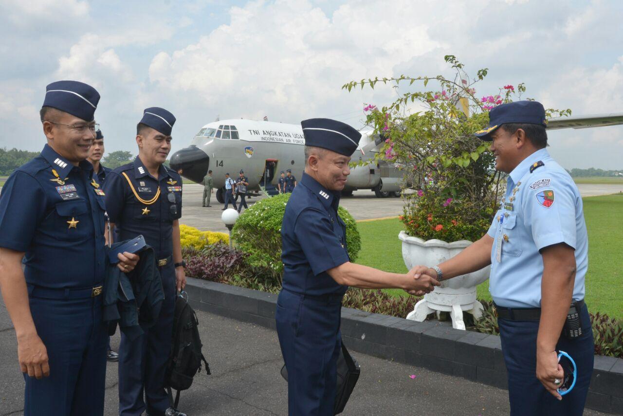 Delegasi RTAF, Kunjungi Sekolah Penerbang