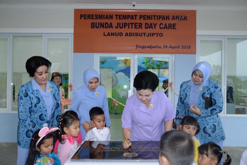 Ketua Umum Dharma Pertiwi Resmikan TPA Bunda Jupiter Day Care