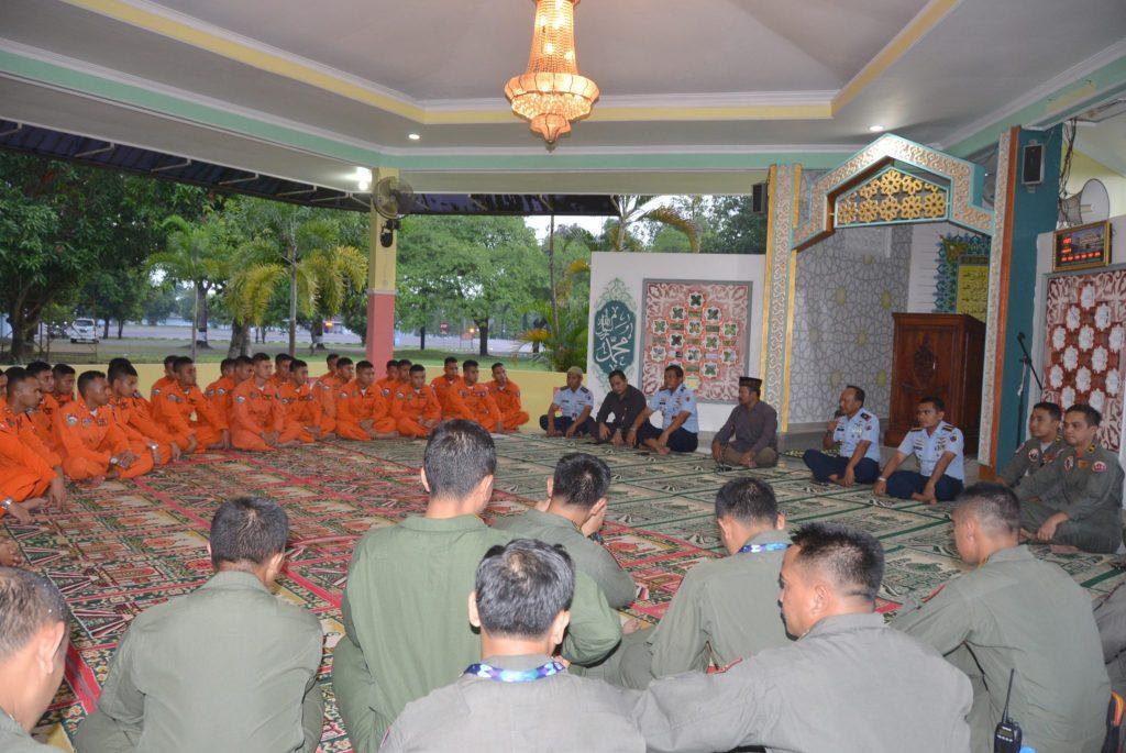 Komandan Lanud Adisutjipto Pimpin Doa Bersama Tandai Pembukaan Terbang Malam Sekbang Terpadu A-93