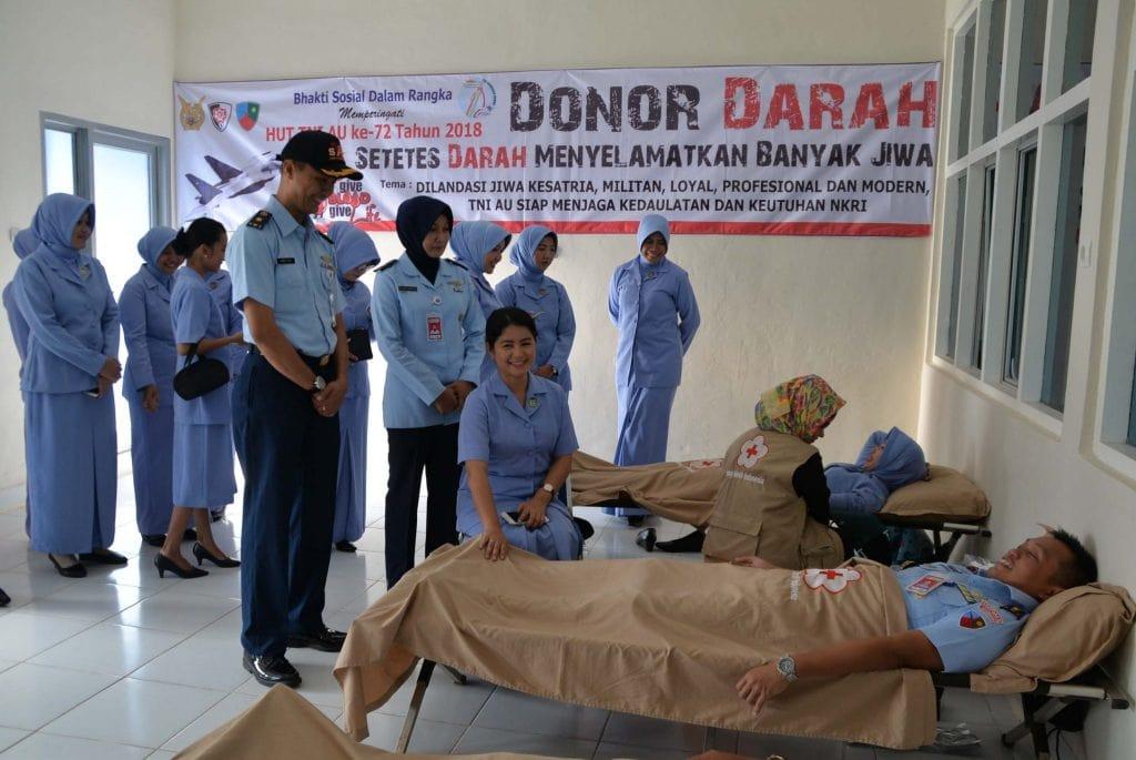 Lanud Sjamsudin Noor Gelar Donor Darah Dalam Rangka Memperingati HUT TNI AU ke – 72 Tahun 2018