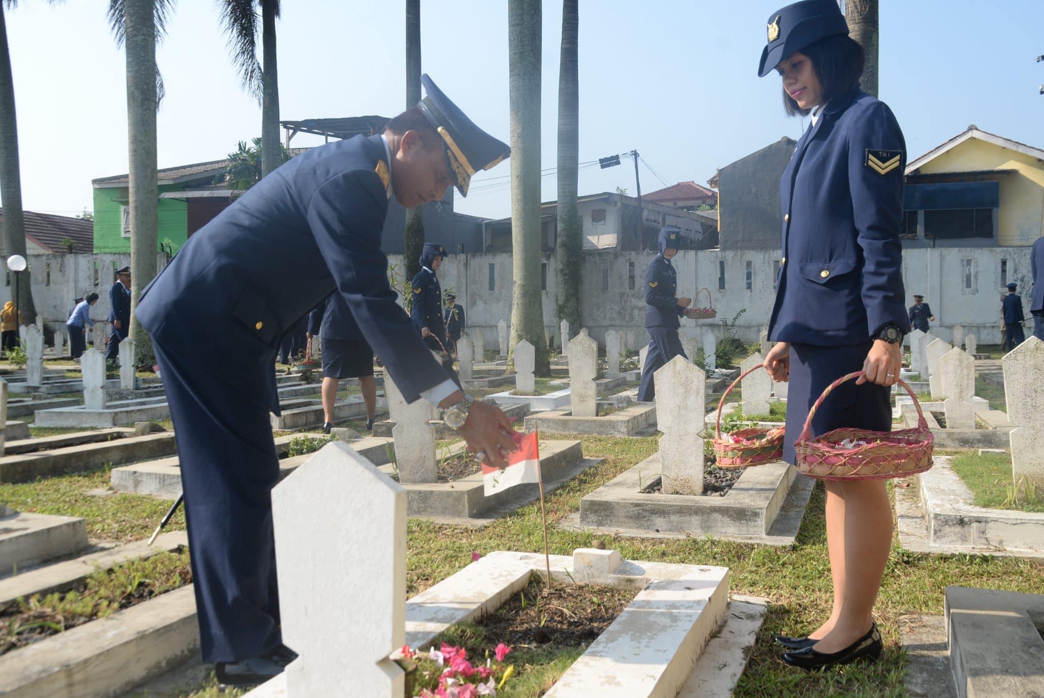 Ziarah Ke TMP Dreded Dalam Rangka HUT TNI AU ke 72