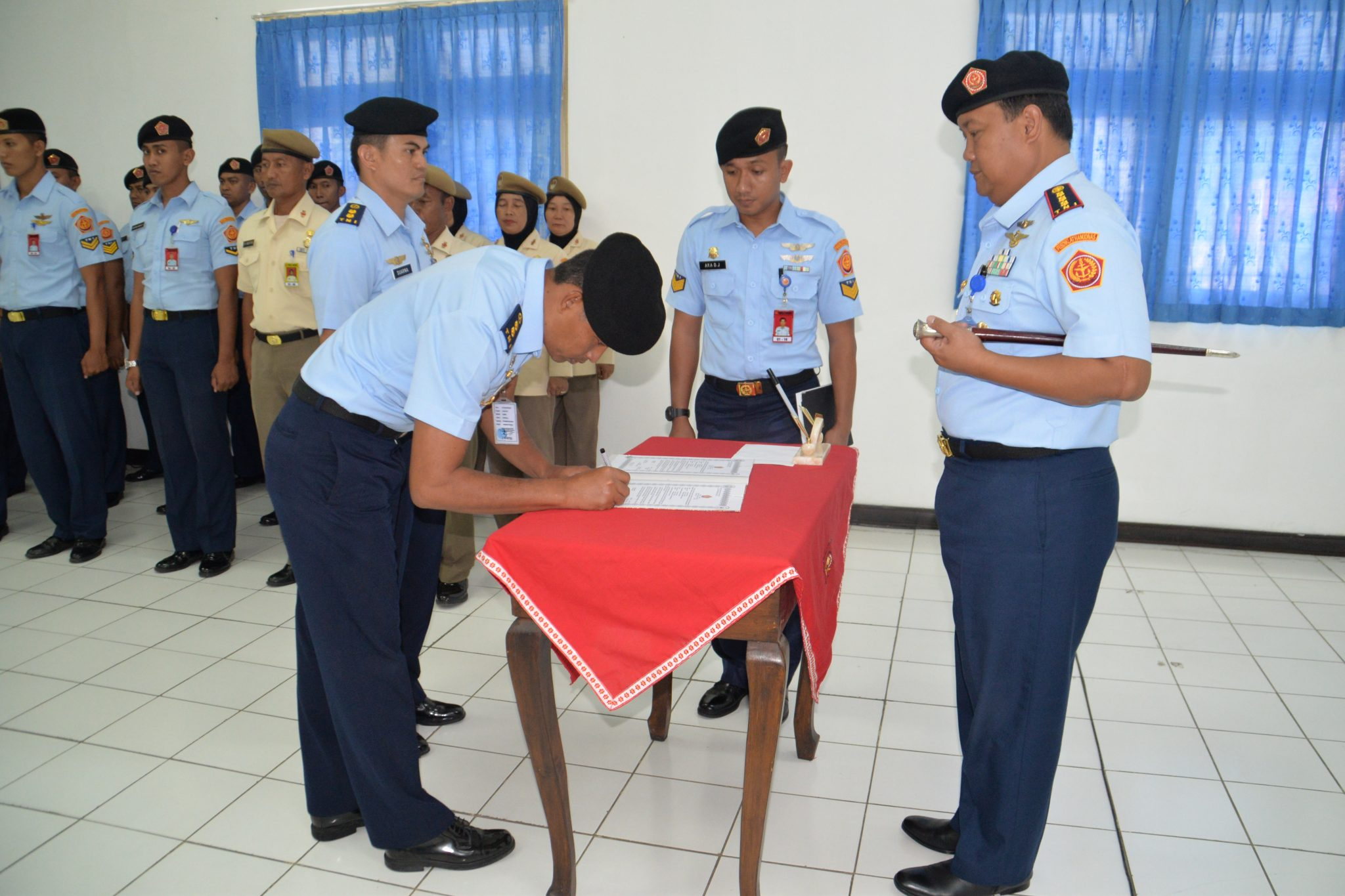 Komandan Pusdiklat Hanudnas Pimpin Sertijab Dirlitbang Pusdiklat Hanudnas Surabaya