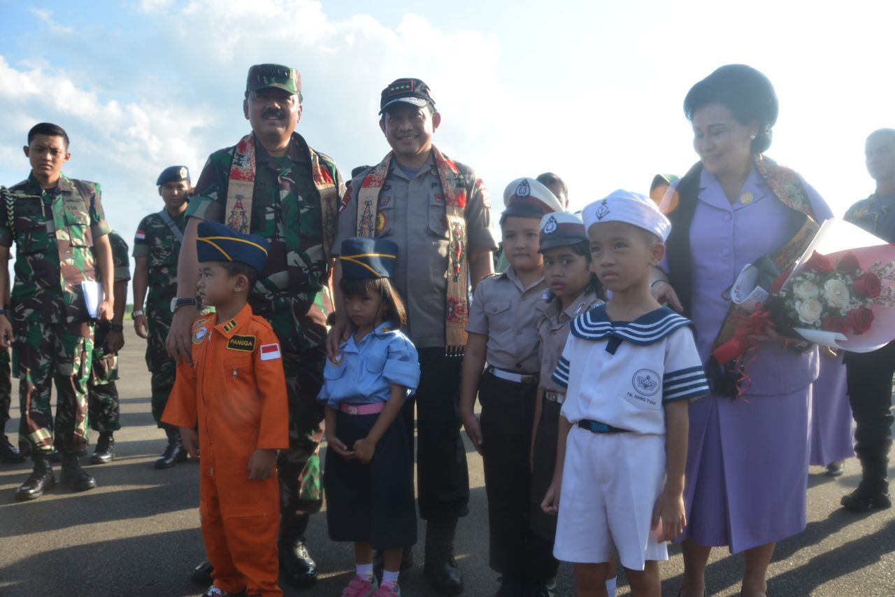 Danlanud Supadio Sambut Kunjungan Kerja Panglima TNI Dan Kapolri
