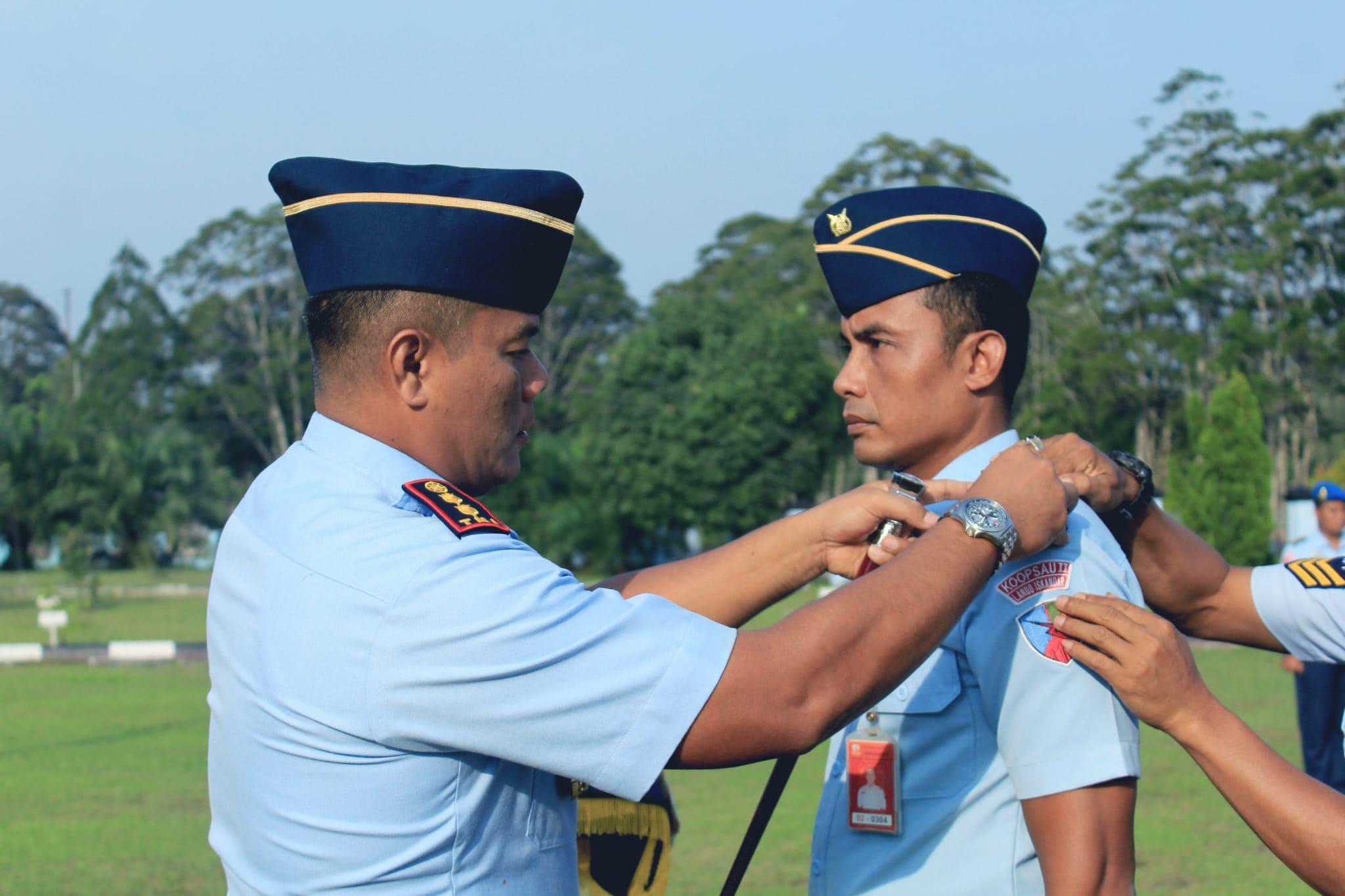 12 Personel Lanud Iskandar Naik Pangkat