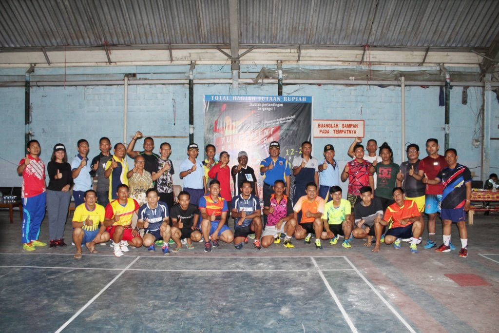 Ratusan Atlet Ramaikan Turnamen Badminton