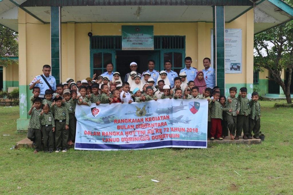 BAKTI SOSIAL DALAM RANGKA HUT KE 72 TNI AU DAN BULAN DIRGANTARA TAHUN 2018